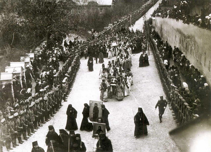 Перенесения мощей преподобной Евфросинии из Киева в Полоцк, 1910 г.
